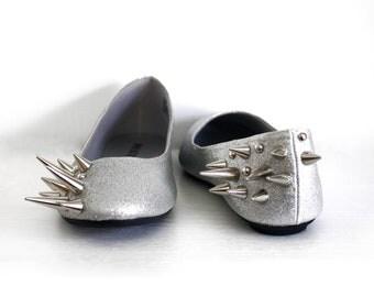 Asymmetrical Spiked Ballet Flats - Silver Glitter