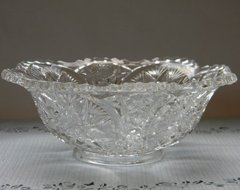 BOWL, Beautiful Pressed Glass  Serving Bowl