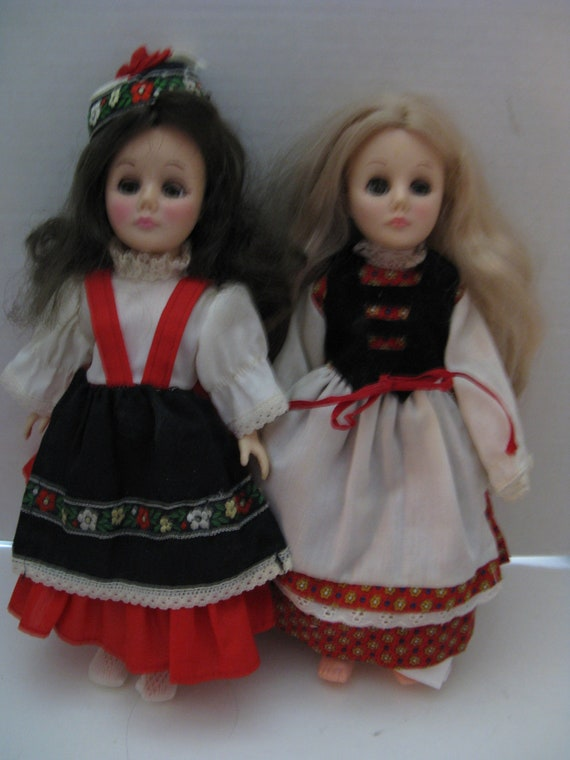 Vintage Dolls of The World Dolls of The World Vintage