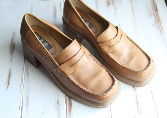 Size 8M Vintage Chunky Butternut Leather Loafers Stacked Heels