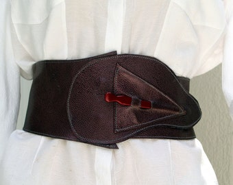 Metallic Purple Leather Cinched Obi Wide Belt with Swirl Closure
