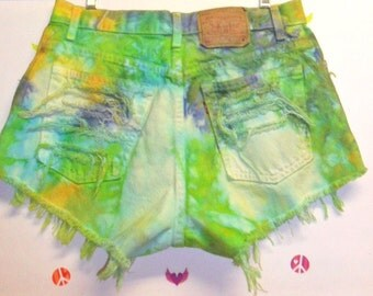 High Waisted TIE  Dyed  Levis Denim Shorts - Studded Waist 31 inches