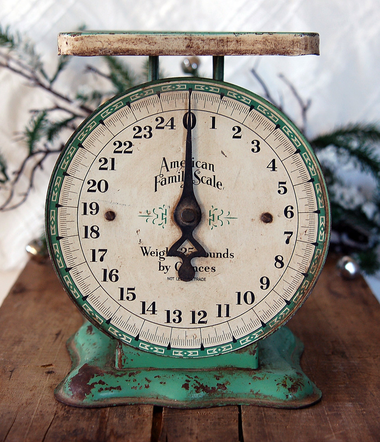 Antique Kitchen Scale: Vintage American Family 25 LB Kitchen Scale In Green