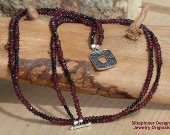 Garnet & Spinel Double Strand Necklace/ Doppel-Halskette aus Granat und Spinell