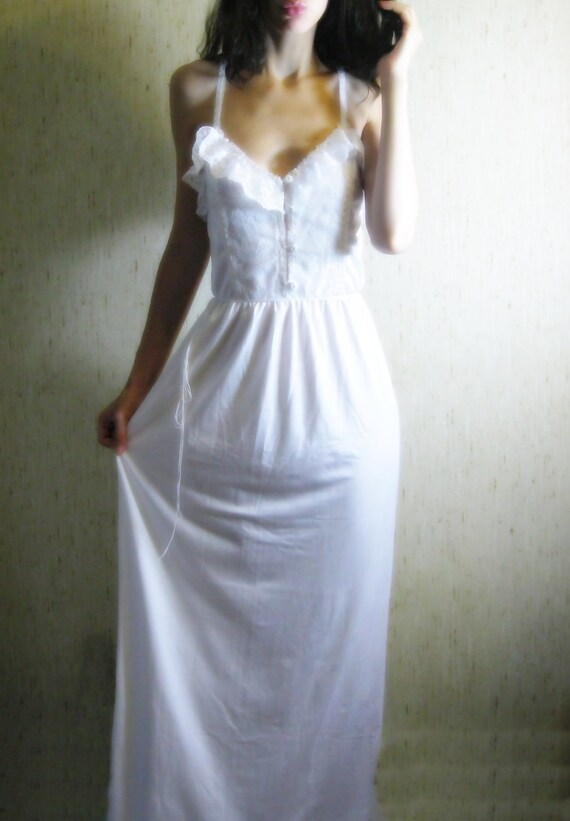 victorian days - vintage 1960s revived gorgeous white organic cotton bamboo lace maxi dress