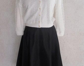 "SALE Vintage 50s 60s Full Taffeta Skirt / Pin Up Skirt / Metal Zipper / Waist 26"""