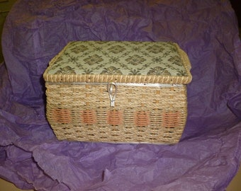 Sewing basket: Vintage wicker sewing basket with tapestry cover and sewing notions