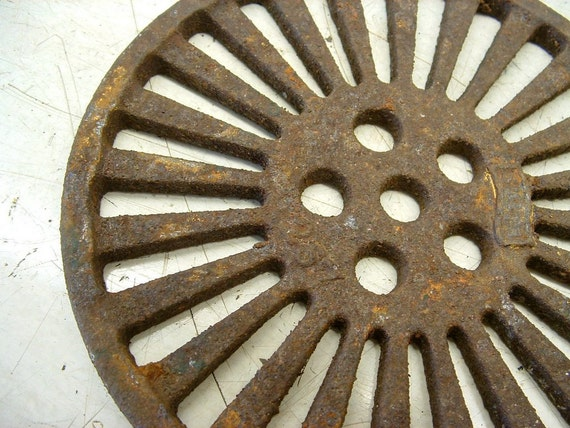 Rusty Old Cast Iron Industrial Salvage Piece