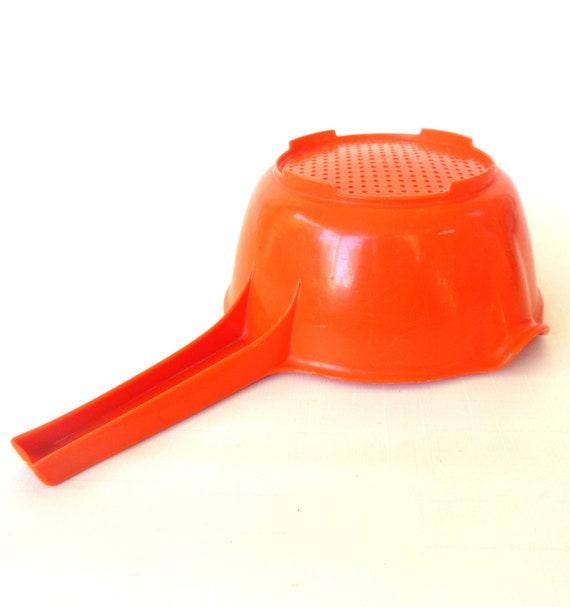 Vintage Rubbermaid Colander Plastic Strainer - Orange 1970s Kitchen
