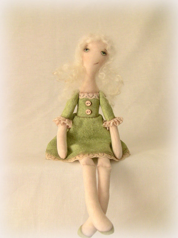 OOAK green dress cloth art primitive doll.