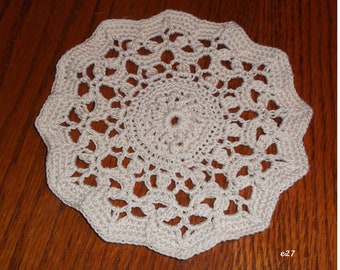 Crocheted Ecru Doily (e27)