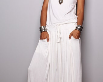 PLUS SIZE Dress / Off White Maxi Dress -  Sleeveless dress : Autumn Thrills Collection No.9   (New Arrival)