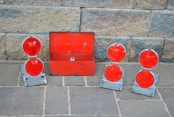 Vintage Anthes Emergency Reflectors in Red Metal Box