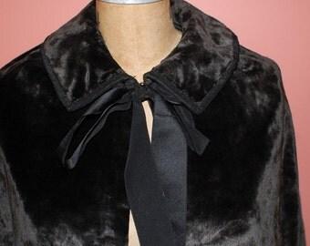 Vintage Black Velvet Cape Gothic Formal Elegance