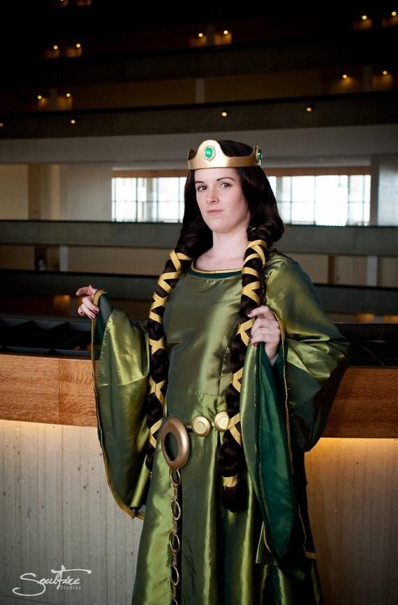 Beautiful Adult Queen Elinor Costume