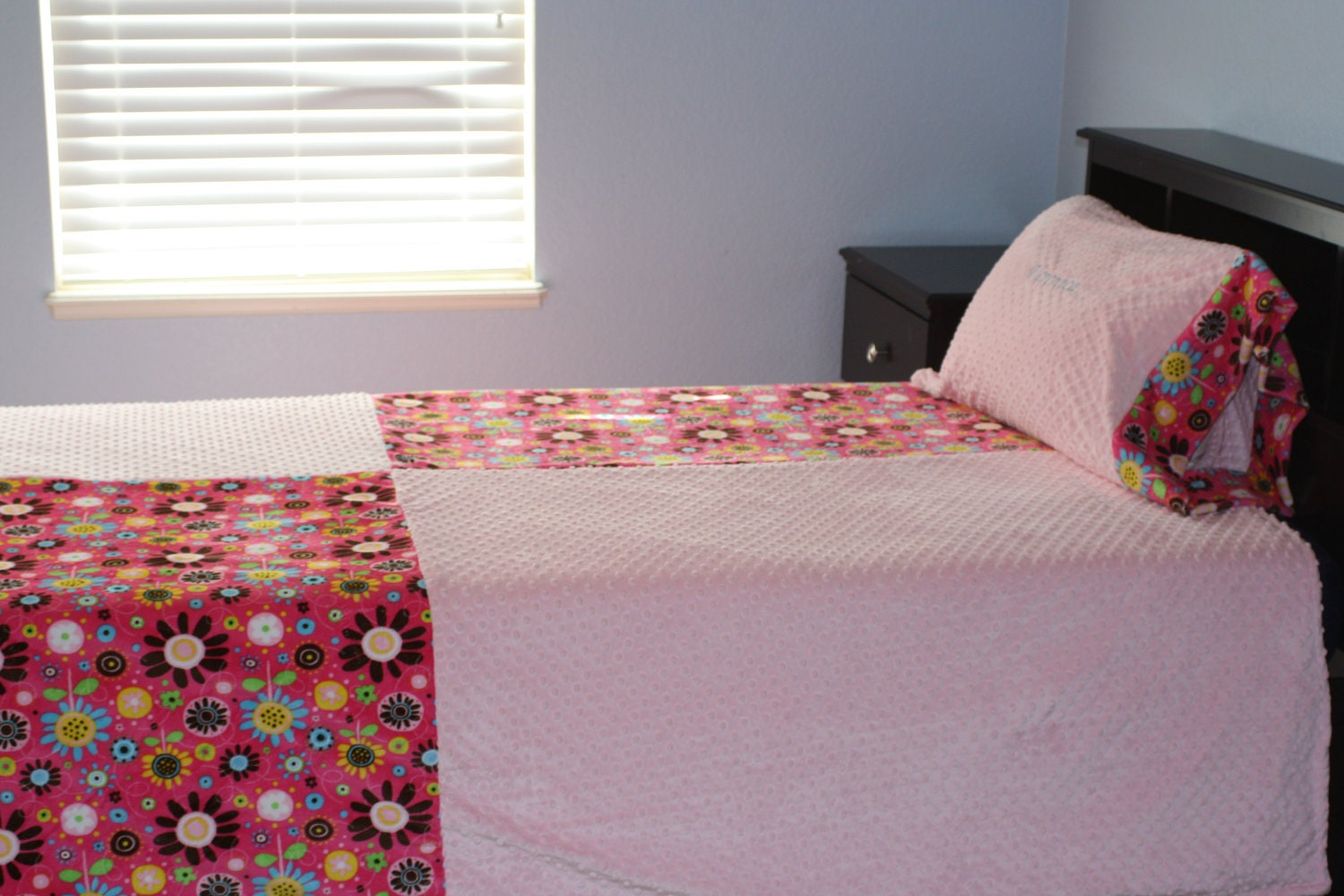 twin size minky blanket adult child teenager bedding by lilcubhub. Black Bedroom Furniture Sets. Home Design Ideas