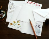 letter writing paper set with 12 floral drawings in A5 size incl. 12 envelopes