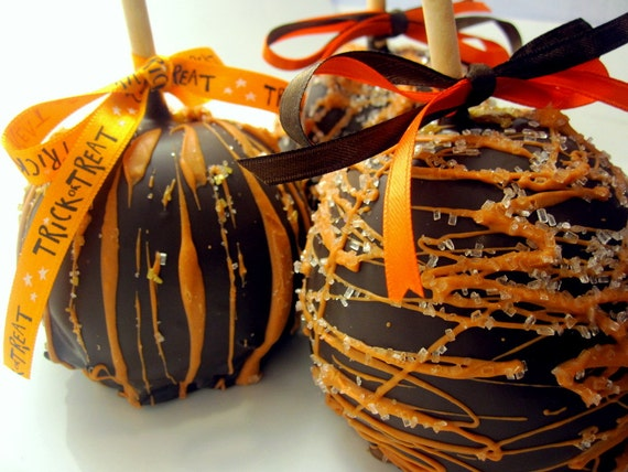 Fall & Thanksgiving Caramel Chocolate Covered Apple-1