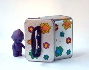 Retro lunch box, silver box with psychedlic flowers