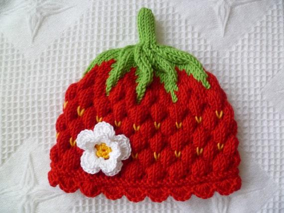 Knitting pattern baby hat strawberry Circumference: by strichhexe
