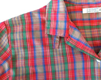 Vintage Button Up . 70s Perfect Plaid Long Sleeve Button Up Shirt. Size Small