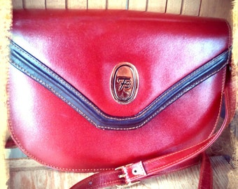 RED    ///   Small 70s Satchel