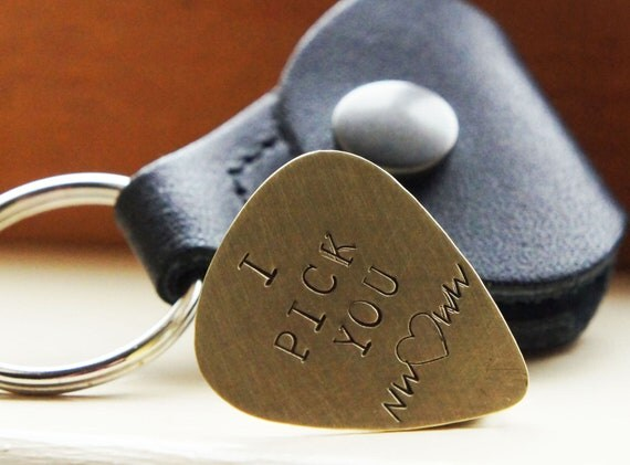 Custom Guitar Pick Keychain Hand Stamped Personalized Brass Plectrum Leather Pick Case Keychain Music Lovers Gift for Him Fathers Day