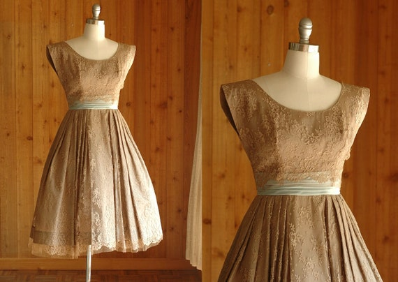 25% OFF SALE / vintage 1950s lace party dress / size xs small