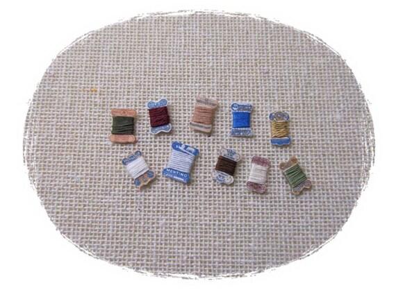 Miniature thread cards