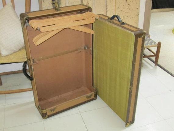 HARTMANN TOUROBE wardrobe case  / Steamer Trunk.... Free Shipping in USA.