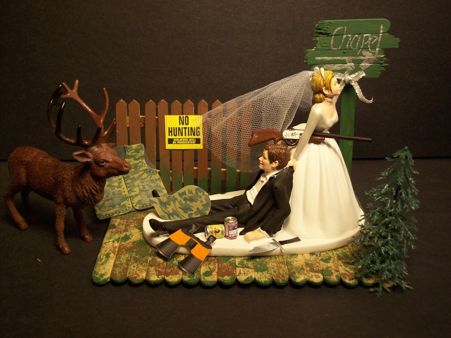 NO HUNTING DEER with Chapel Sign Bride and Groom Wedding Cake