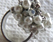 Vintage Guess Silver Tone and Pearl Beads Ring,Costume Jewelry.
