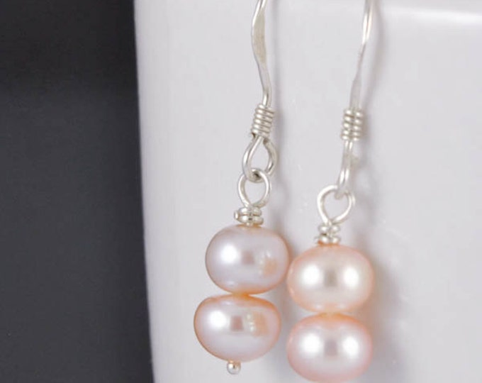 Pearl earrings, wedding earrings, bridesmaid jewelry, freshwater pearl, peach pearl earrings, sterling silver earrings, beaded earrings