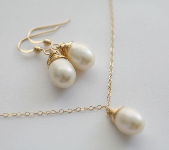 Sale,Set of 6,Wire wrapped Pearl Necklace and Earrings,Wedding Jewelry gift,Mother Jewelry