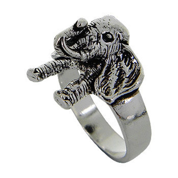 Elephant Ring, Elephant Face Ring, Sterling Silver Ring. Name Engraving Ring, Animal Ring, Elephant Jewelry, Personalized Ring.