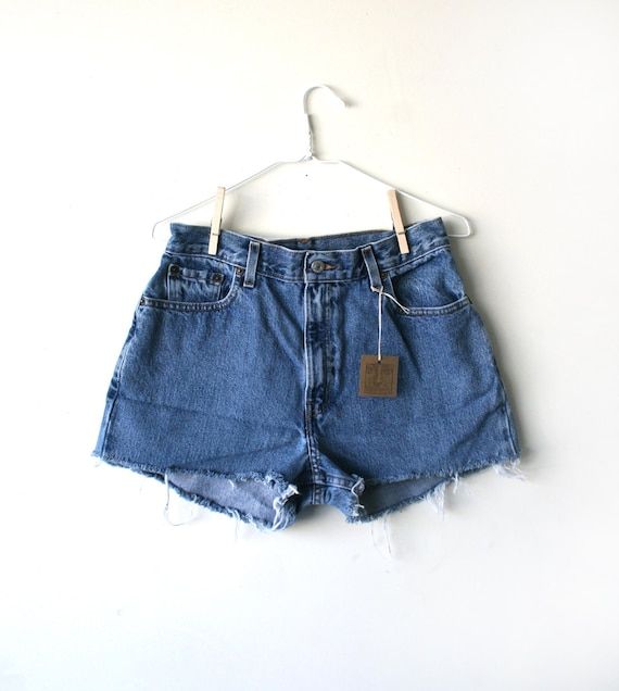 "Waist 30"" High Waisted Vintage Levi Shorts"