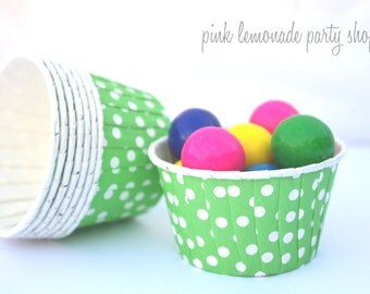 Kelley GReeN PoLkA DoT NuT/CANDy/PoRTiON CuPS-Gumballs, Snacks, Nuts, Cupcakes-Birthday Parties-Showers-25ct