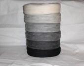 Un spun Icelandic wool/yarn in black, white and 4 grey colours