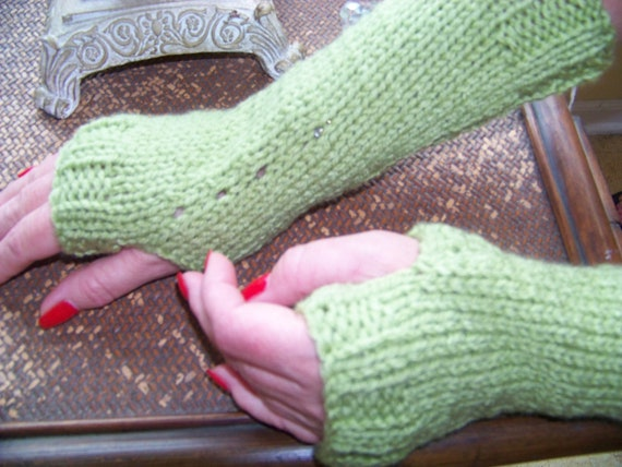 Gauntlets Hand Knit in Green