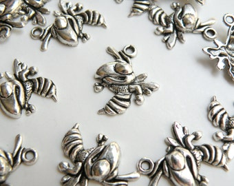 10 Hornet mascot Angry Bee Wasp charms antique silver 22x18mm PR600