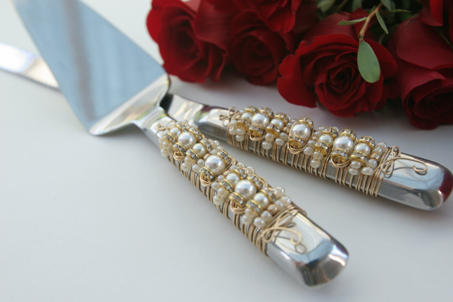 Ivory Pearl & Gold Beaded Wedding Cake Server Set special