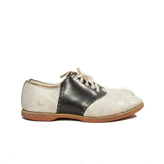 1950's Vintage Saddle Shoes Navy and White Church Shoes size 7 1/2