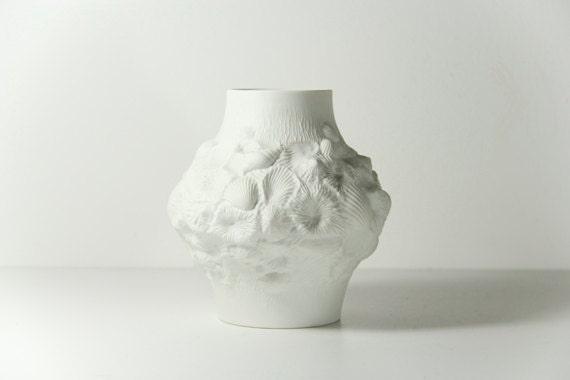 Op Art Vase Alka Kaiser M Frey Shell White