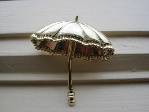 Vintage Gold Tone Umbrella Brooch