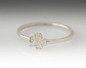 Lucky Clover Leaf Ring, Sterling Silver Stackable Shamrock Ring, Clover Ring, Shamrock Ring, Simple Clover Ring, Clover Stacking Ring