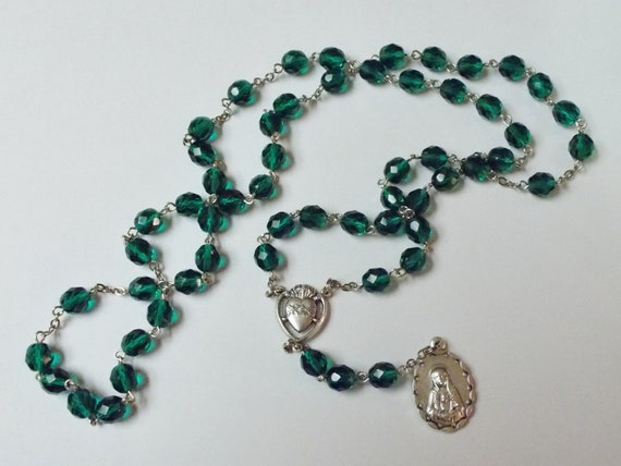 Seven Sorrows Rosary in faceted green Czech glass (8 mm beads) - Our Lady of Kibeho