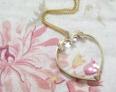 Vintage Victorian Style Heart Gold Tone Magnifier Magnifying Pendant Necklace