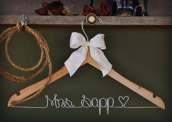 Personalized Hanger, Custom Bridal Hangers,Bridesmaids gift ideas,Wedding hangers with names,Custom made hangers