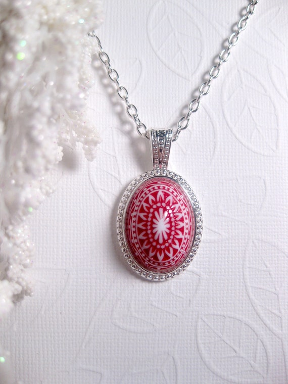 Red Air Mosaic Print Necklace