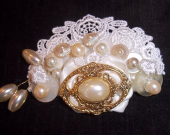 Statement Bridal Comb - Gold, Ivory Lace Bridal Comb, Vintage Ivory Pearl, Antique Ivory and Gold - A Bijoux Bridal Chicago Signature Design
